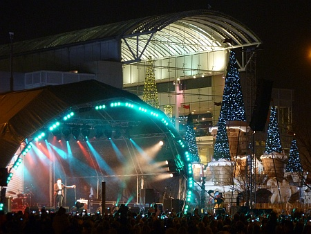 Olly Murs switches on the Christmas lights at The Mall
