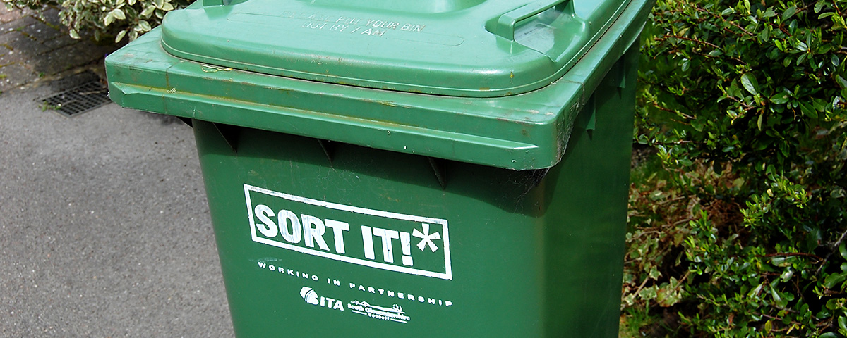 Photo of a South Gloucestershire Council garden waste bin.