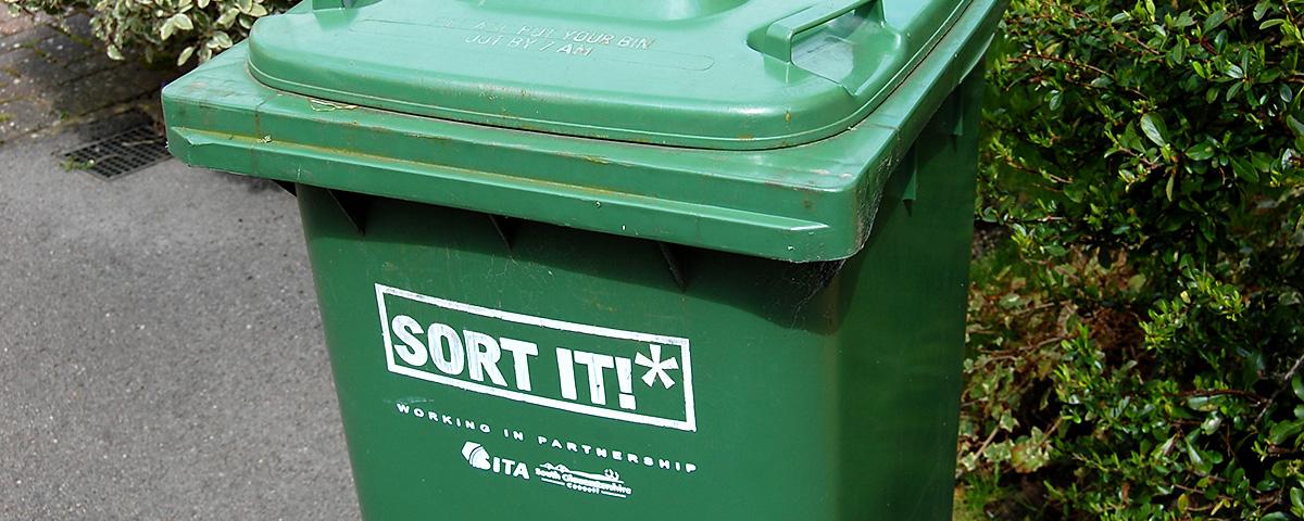 Photo of a South Gloucestershire Council garden waste bin.
